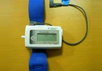 写真 : 睡眠時無呼吸症候群検査機
